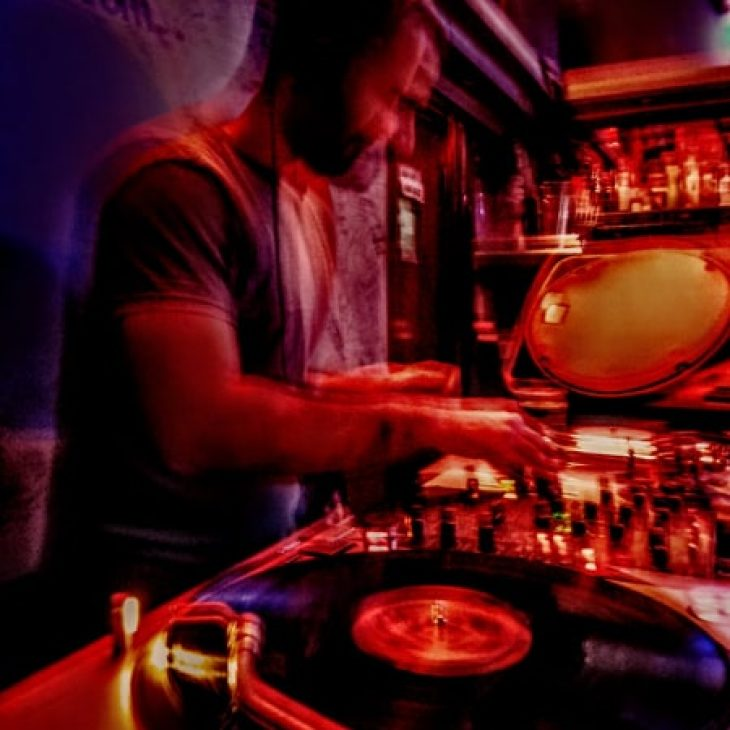 VINYL DIGGERS HOUSE W/ FRANCESCO OLIVA – CLASSIC HOUSE SELECTION #1 – 15-04-2020