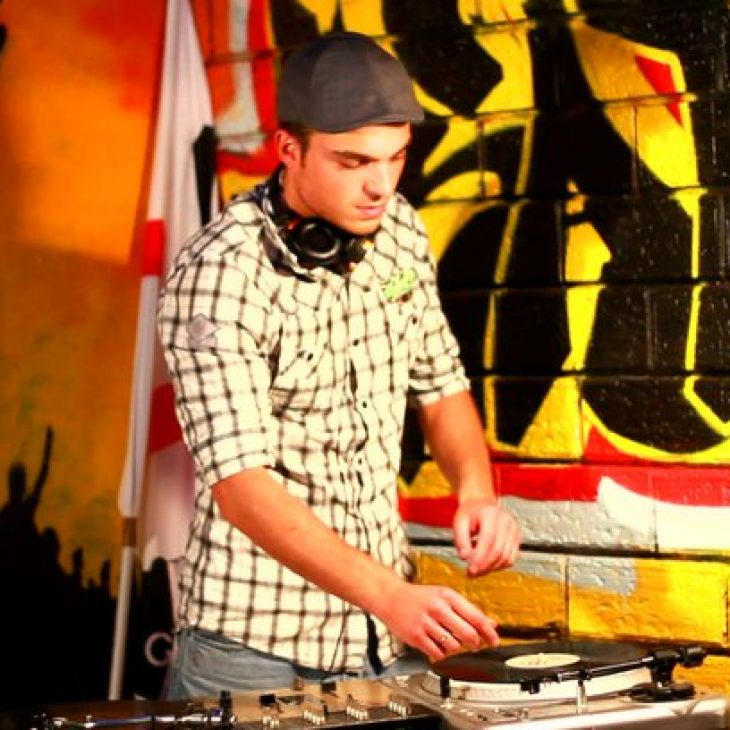 DISCOVERY SARDINIA RADIO EXPATS SERIE W / DJ DRAS DRUM AND BASS MIX
