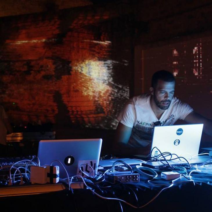 DISCOVERY SARDINIA RADIO SPECIAL W/ DJ DATCH – AREMUN