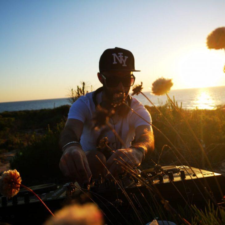 DISCOVERY SARDINIA RADIO SPECIAL W/ ZYZOU MUSIC NATURART