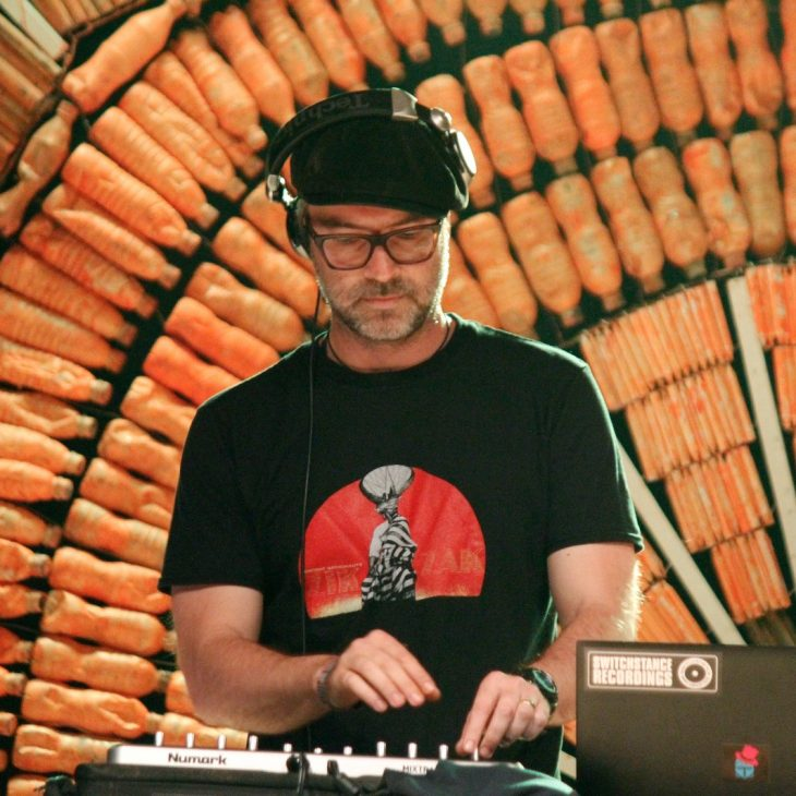 DISCOVERY SARDINIA RADIO SPECIAL W/ TOM STRAUCH – SWITCHSTANCE RECORDINGS MIX